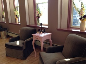 5 BR Chairs Along Windows